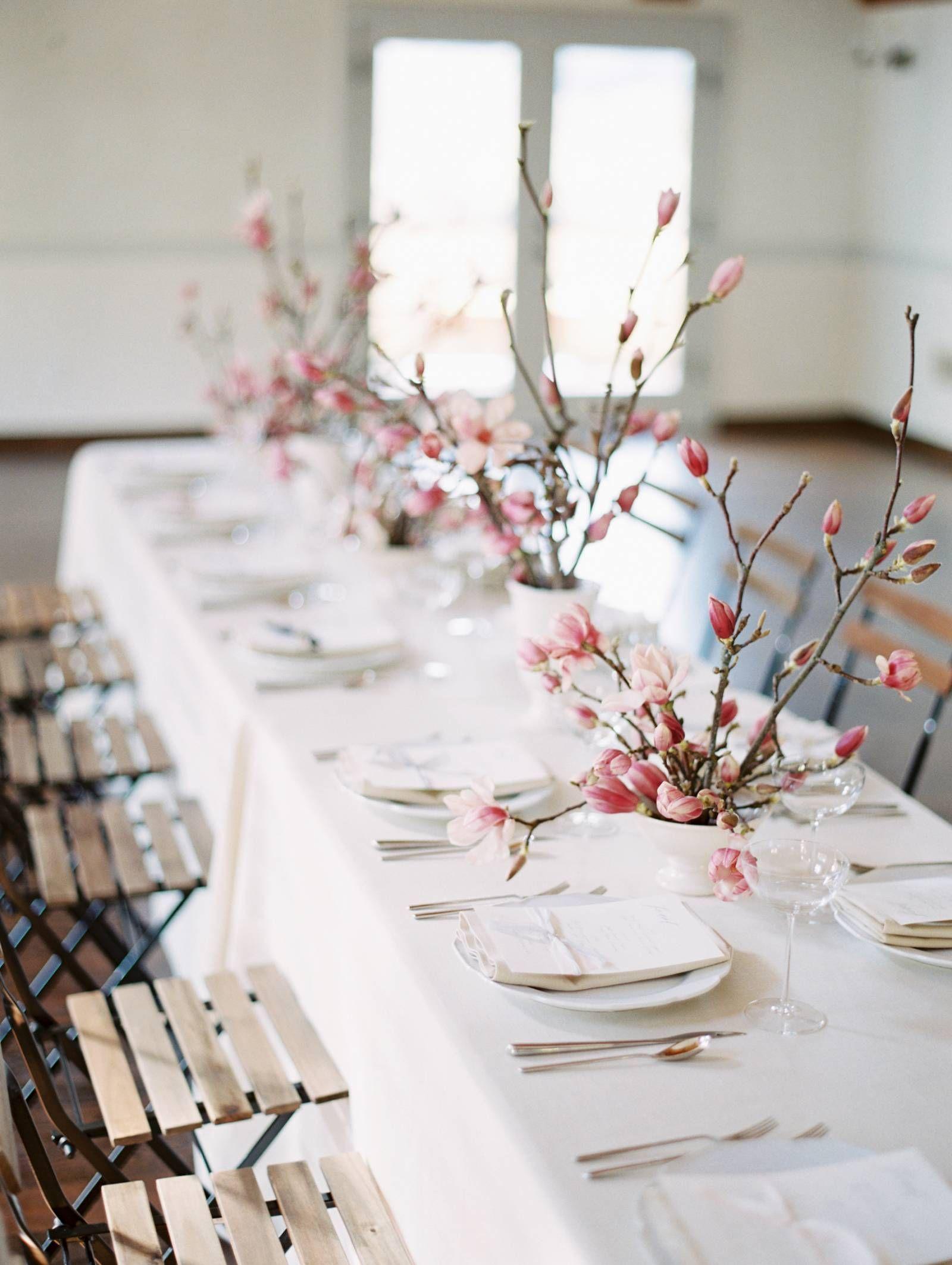 Modern Spring Wedding Inspiration Honouring The Magnolia Bloom Seattle Wedding Inspiration Wedding Table Designs Wedding Centerpieces Magnolia Wedding