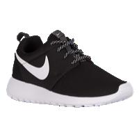 timeless design c31d6 04242 Nike Roshe One - Womens - Black  White Nike Trainer, Nike Laufschuhe, Nike