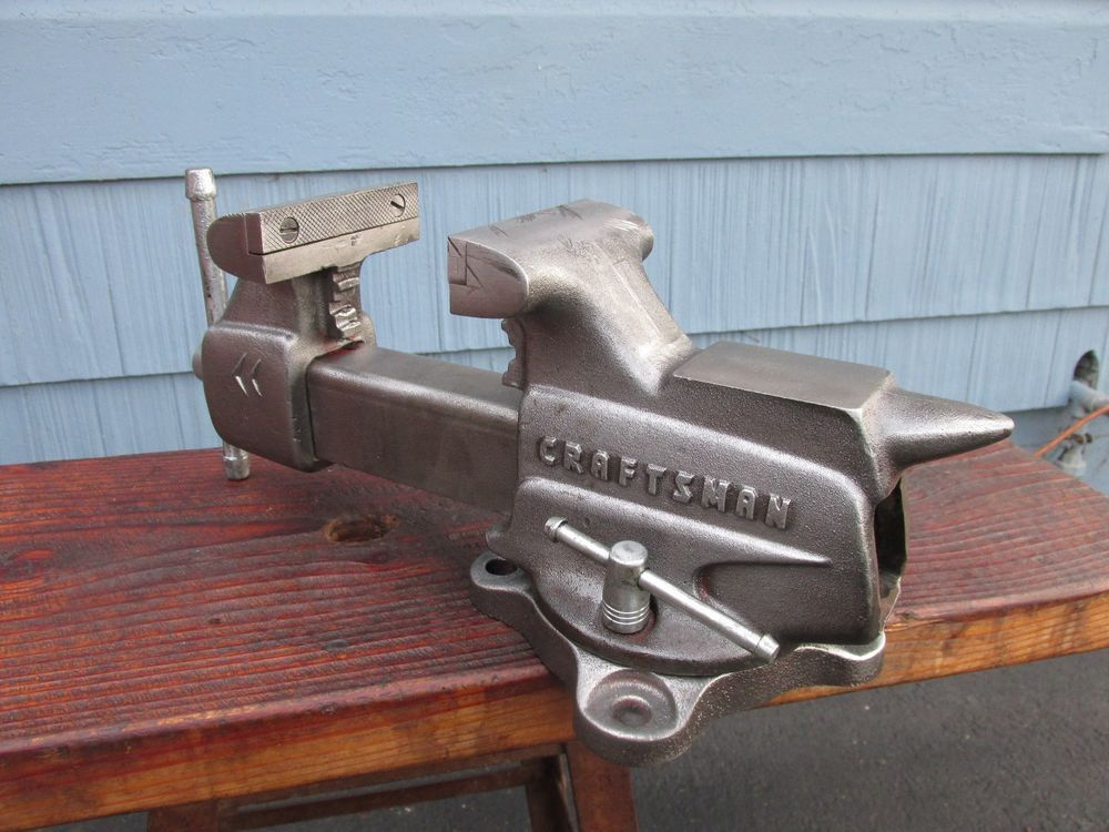 Craftsman 3 1 2 Jaw Bench Vise W Swivel Base And Pipe