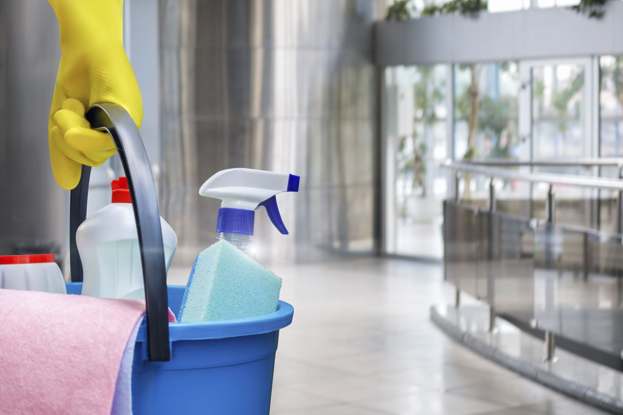 Top 4 Reasons You Might Need A Professional Home Cleaning Service Pouted Com In 2020 Commercial Cleaning Services Clean Office House Cleaning Services