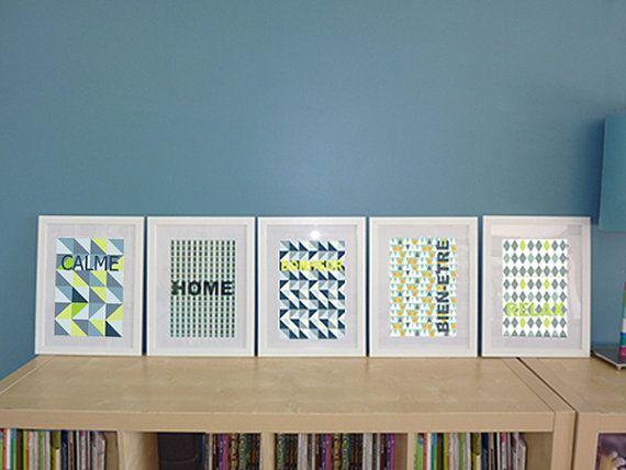 Cette série dillustrations au style scandinave crée le décor dun salon, dune salle à manger ou dune chambre. Idée cadeau déco! Affiches aux motifs