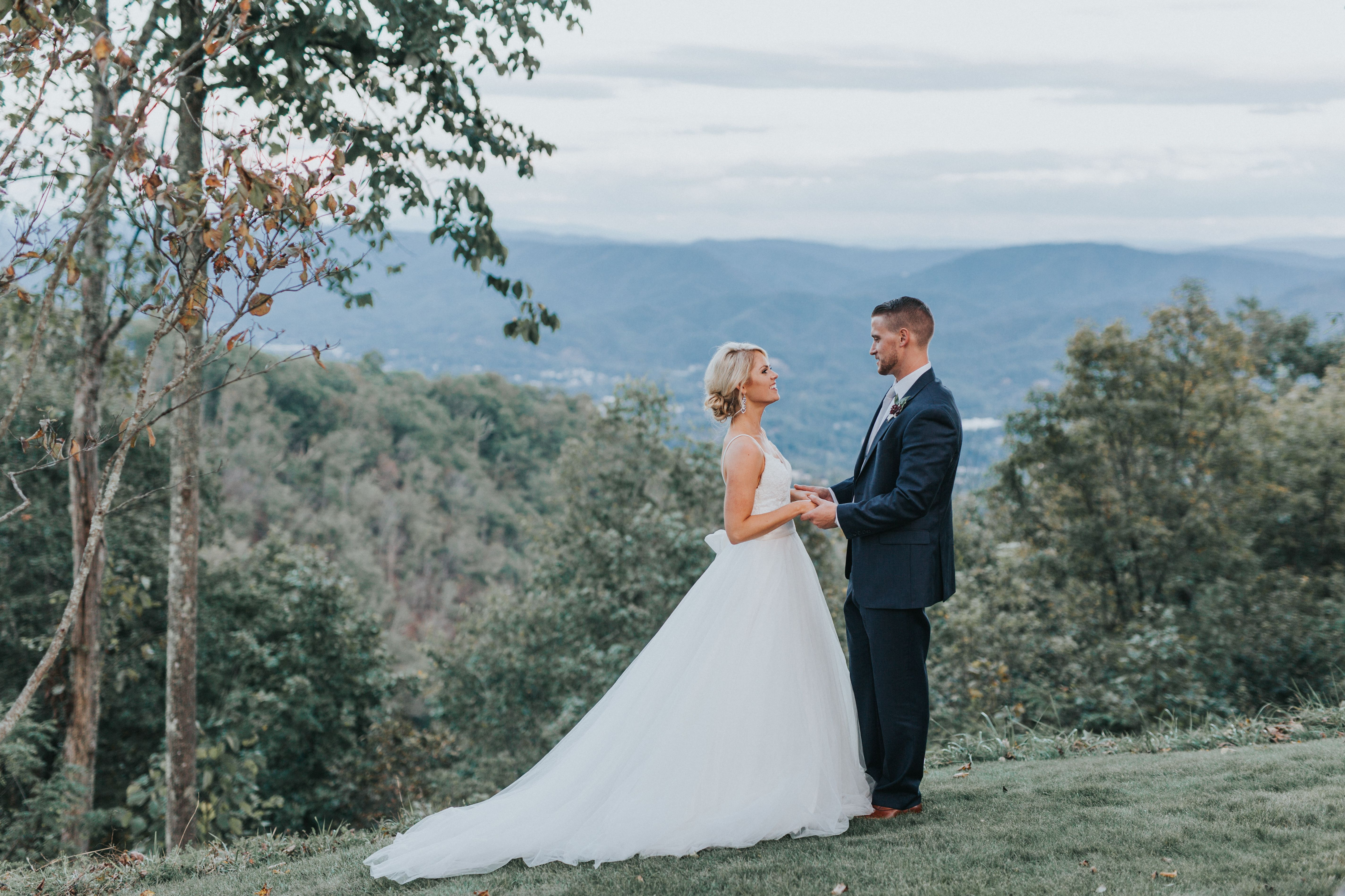 A Chic Rustic Wedding at the Greenbrier in White Sulphur Springs ...