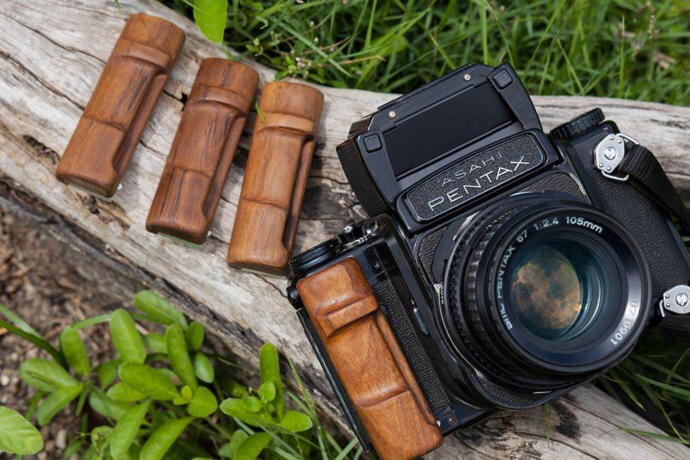 Dear all Pextax6x7 /Pentax67 user. i just Custom Wooden Grip (right hand) for sale. _______________________ for more detail contact me : myoatmail@gmail.com ____________________________ #pentax6x7 #pentax67 #pentaxcamera #handmade #righthand #woodengrip #woodengrip for pentax #grip #custom #film #filmcamera #wooden grip for pentax67