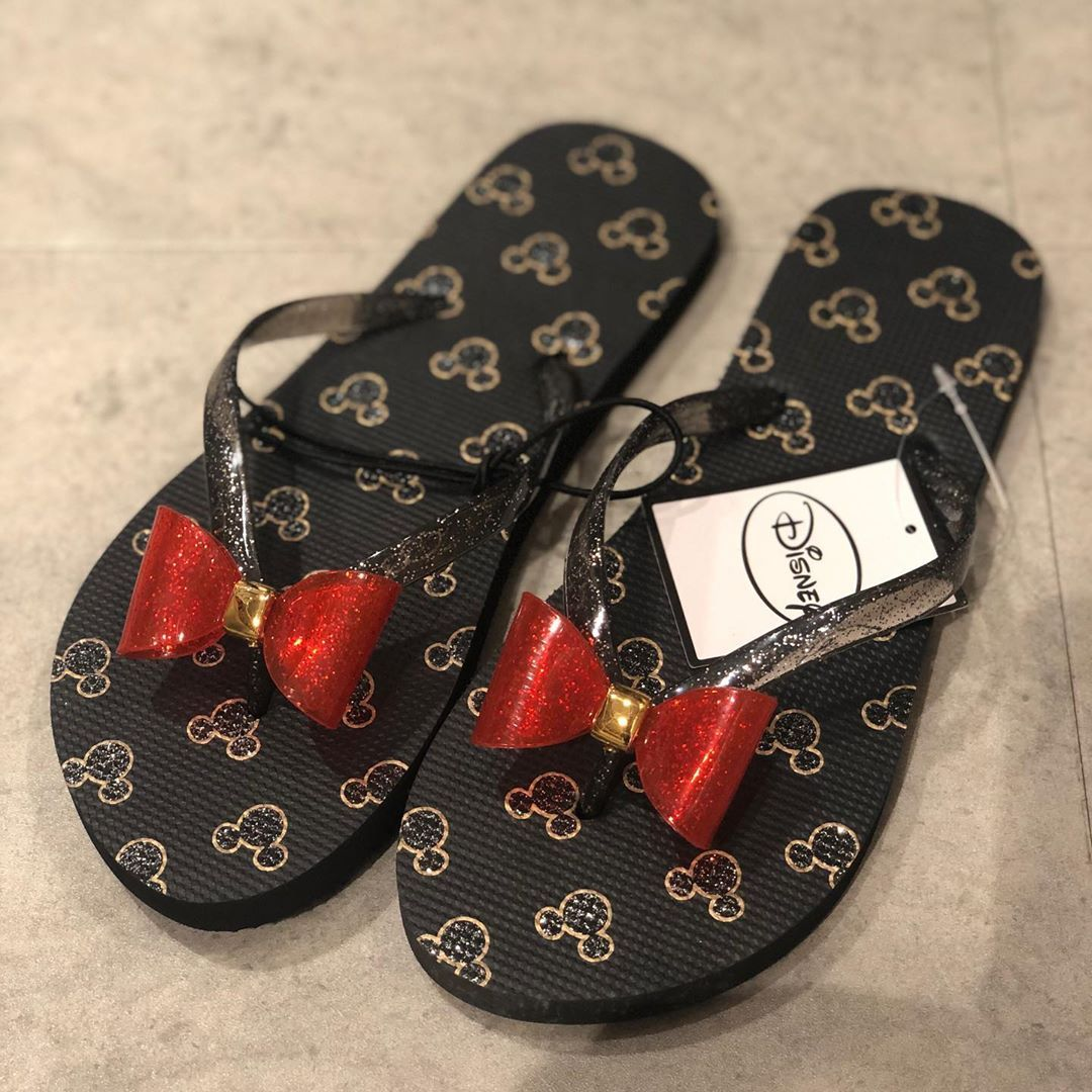 ew Minnie mouse Flip flops from
