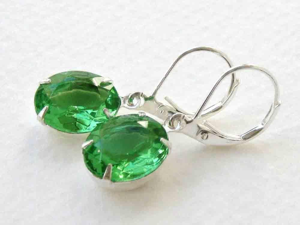 Vintage Rhinestone Earrings Emerald Green Glass Silver