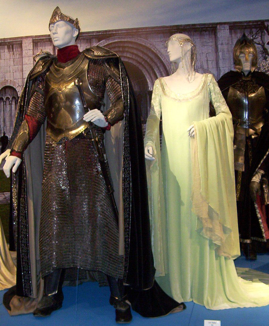 great fulllength photos of some of the lotr costumes