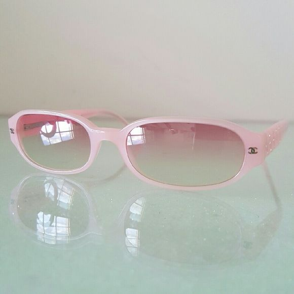 d91d5f113ff9 CHANEL Sunglasses 5059-B Pink Rose Rhinestone 100% authentic sunglasses  from Chanel in pink color and rectangular frames