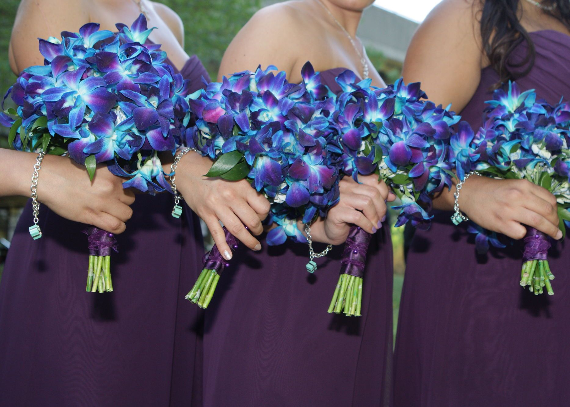 Pin By Tania Pucciarelli On My Wedding Purple Bridesmaid Bouquets Blue Orchid Wedding Bouquet Bridal Party Bouquets