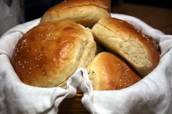 hamburger-buns