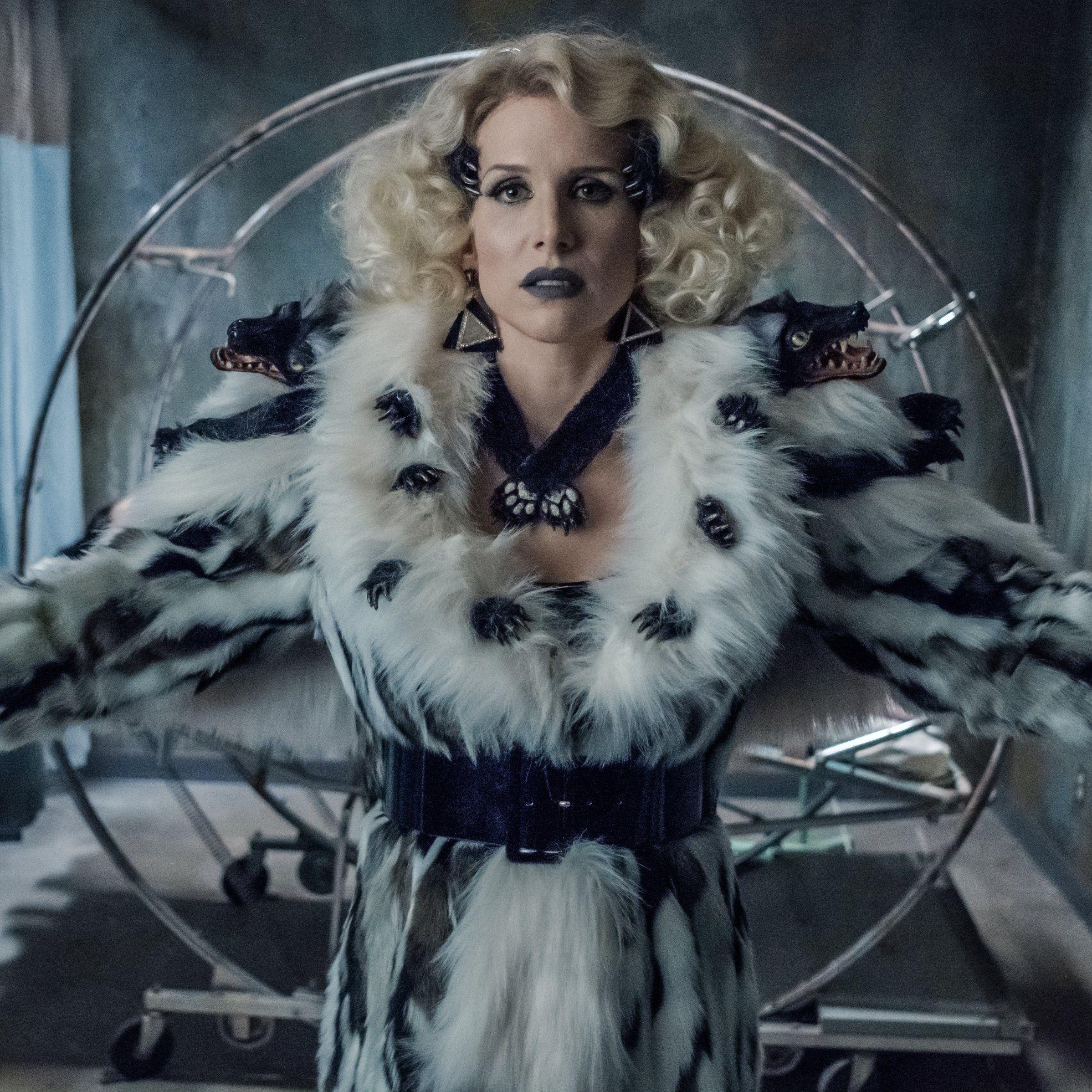 ASoUE Esme Squalor Dressed to kill. Literally. 👠 A