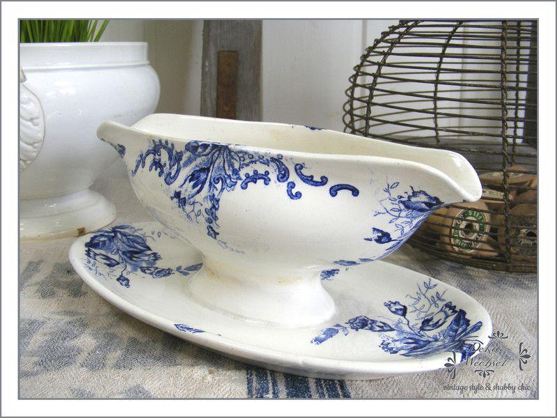 alte sauciere blau wei porzellan belgien belgien. Black Bedroom Furniture Sets. Home Design Ideas