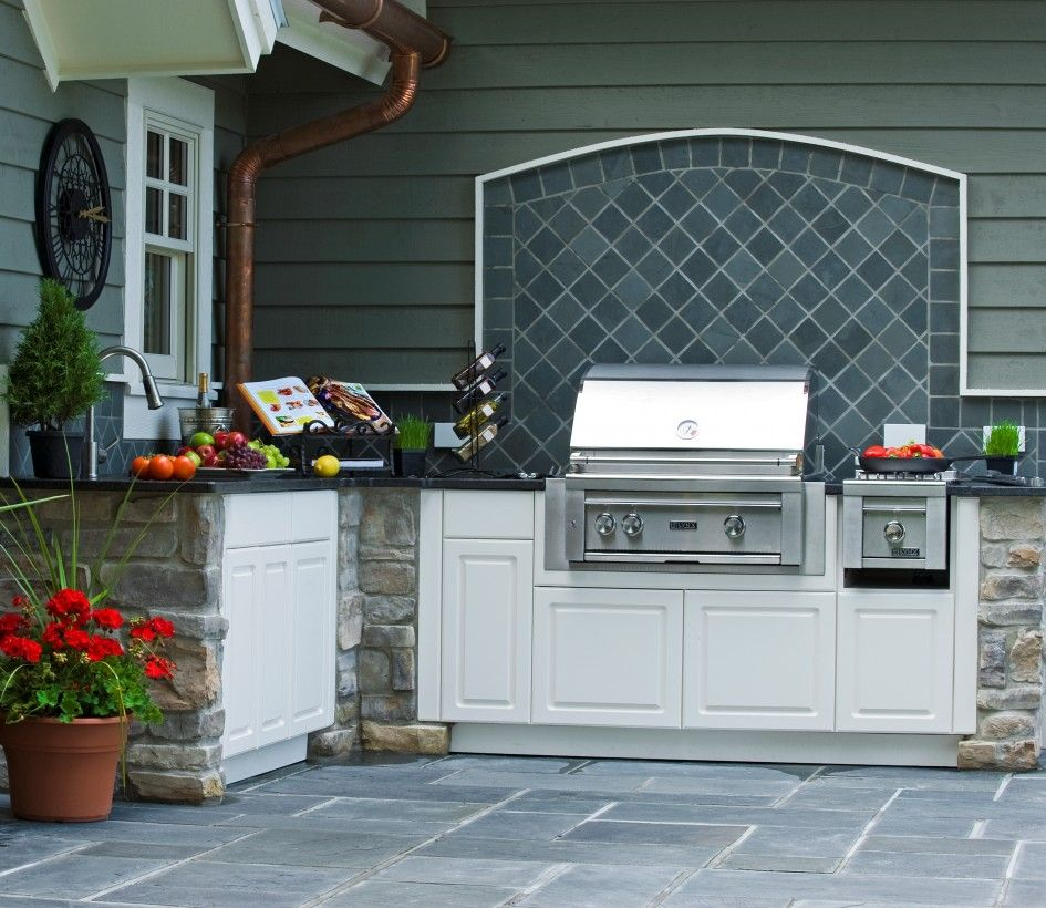 Cover Up Unused Rear Door With Backsplash And Grill Outdoor Kitchen Design Outdoor Kitchen Outdoor Kitchen Countertops