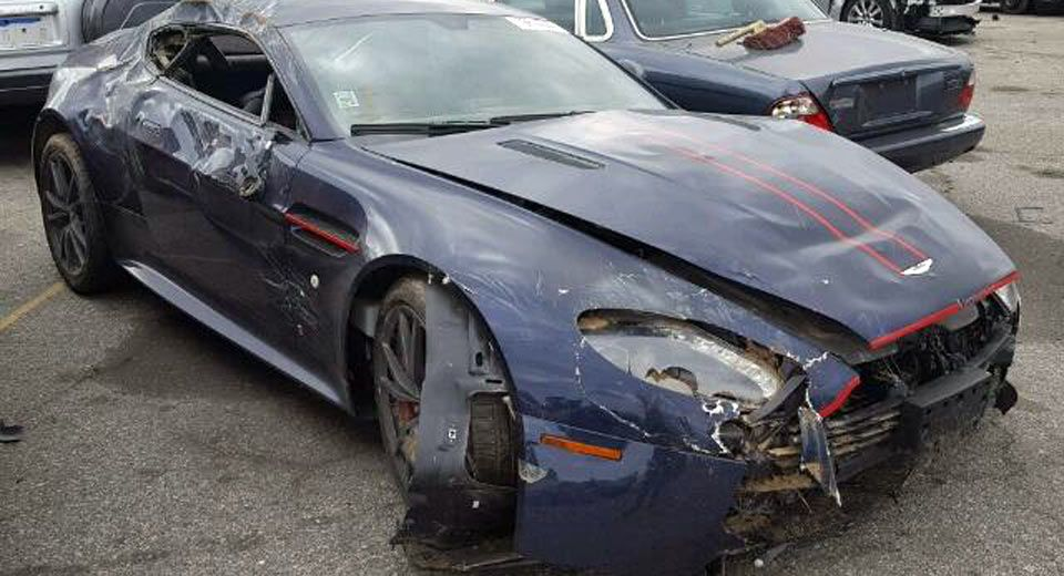 An Aston Martin V8 Vantage For 40k There S Just One Catch Carscoops Aston Martin V8 Aston Martin Aston