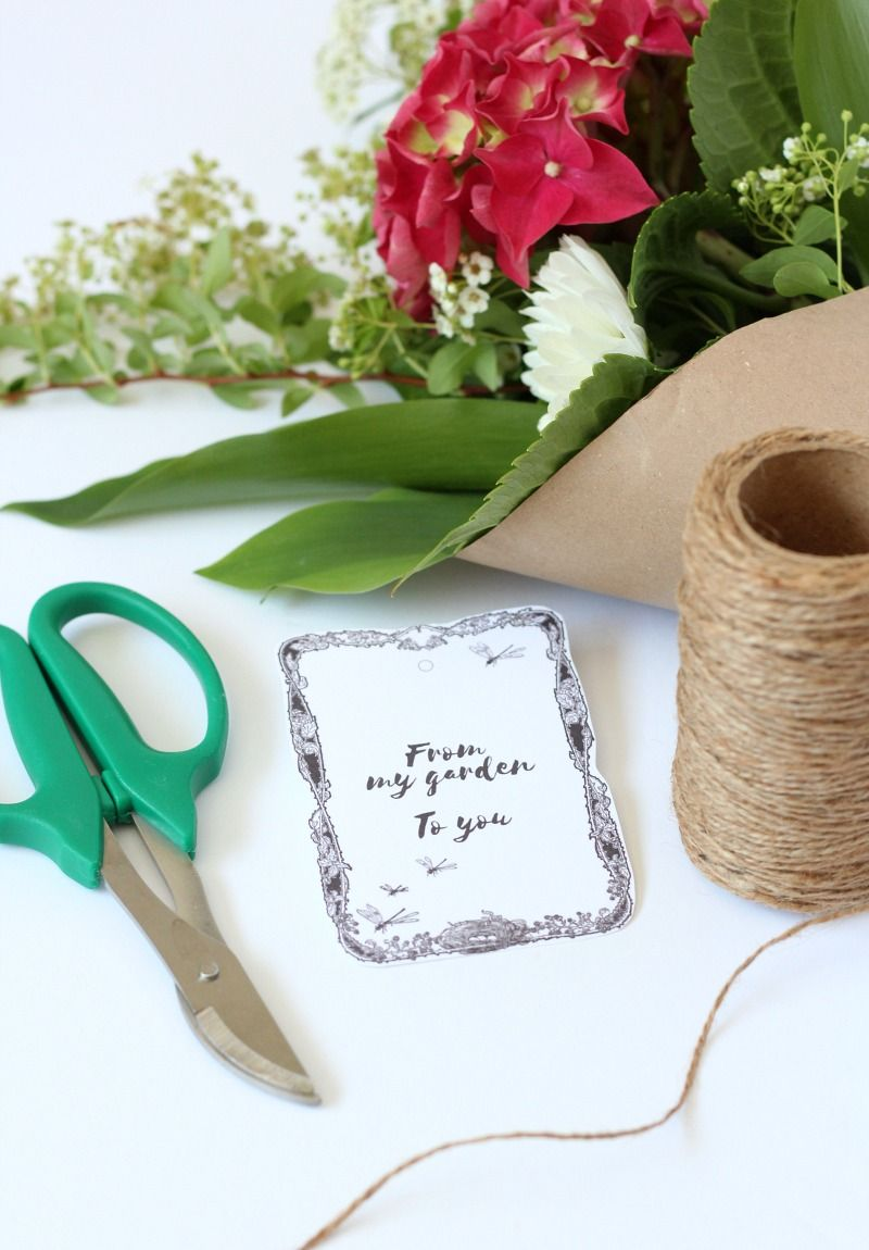 garden bouquets with printable gift tags best free printables rh pinterest com