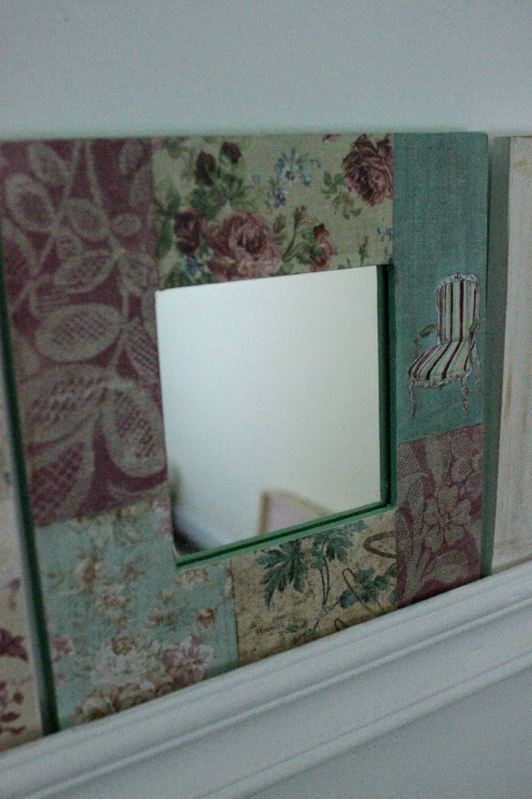 Espejitos cuadrados decorados. Medidas: marco 16 x 16 cm, espejito 8 ...