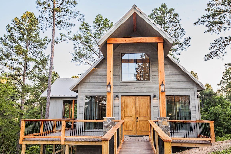Nevaeh Hill Cabin In Broken Bow Ok Sleeps 2 Honeymoon Cabin Getaway Cabins Cabin