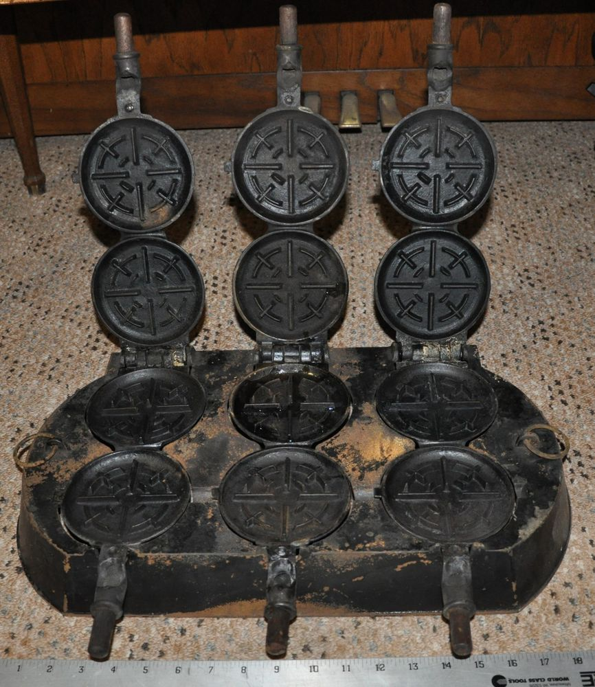 Griswold Waffle Iron Griswald skillet pan selden Erie cast iron