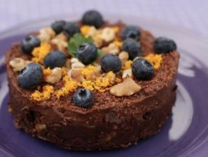 Herlig mørk sjokolade... og en helt rå sjokoladekake! - Fraiva