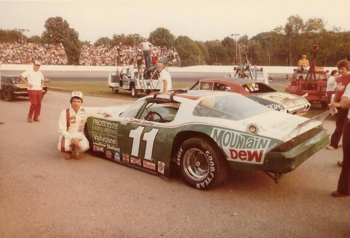 Darrell Waltrip Berlin Mi Asa 1981 With Images Late Model Racing Sports Car Racing Old Race Cars