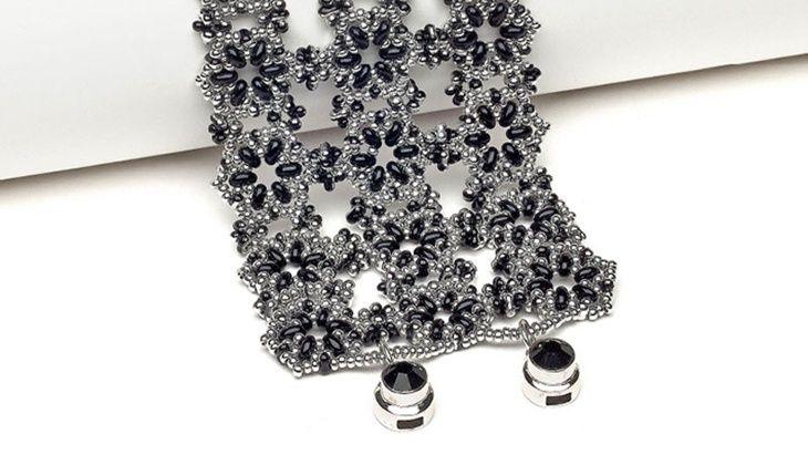 Hexagonal lace cuff