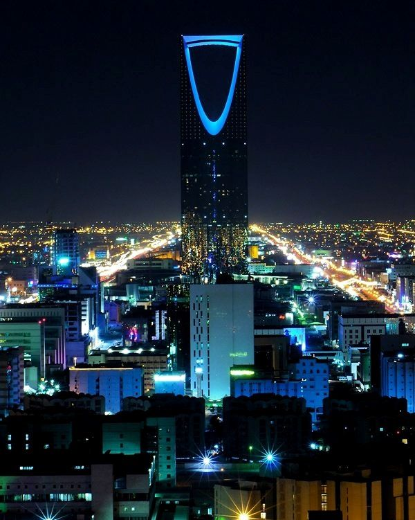Riyadh Saudi Arabia By Night Time Saudi Arabia Dostup K Nashemu Sajtu Namnogo Bolshe Informacii Https Storelatina Riyadh Saudi Arabia Riyadh Saudi Arabia