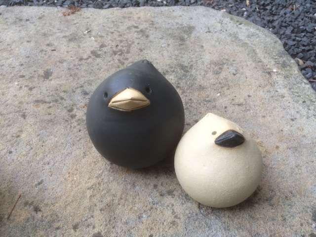 Spatzi, der niedliche Keramik Spatz aus frostfester Keramik von Susanne Boerner - frostfest gebrannt!