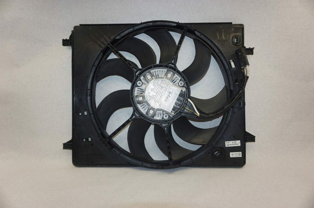 Derale Performance 16838 Gray//Black High Output Dual Radiator Fan