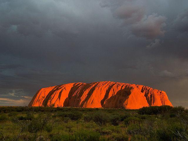 Uluru, un monolito caprichoso en Australia
