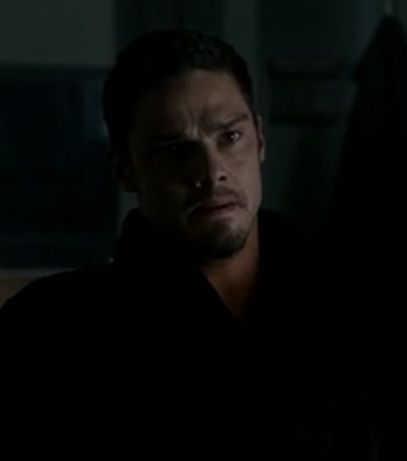 Jay Ryan As Vincent In Beauty And The Beast S02 E12 Recipe For