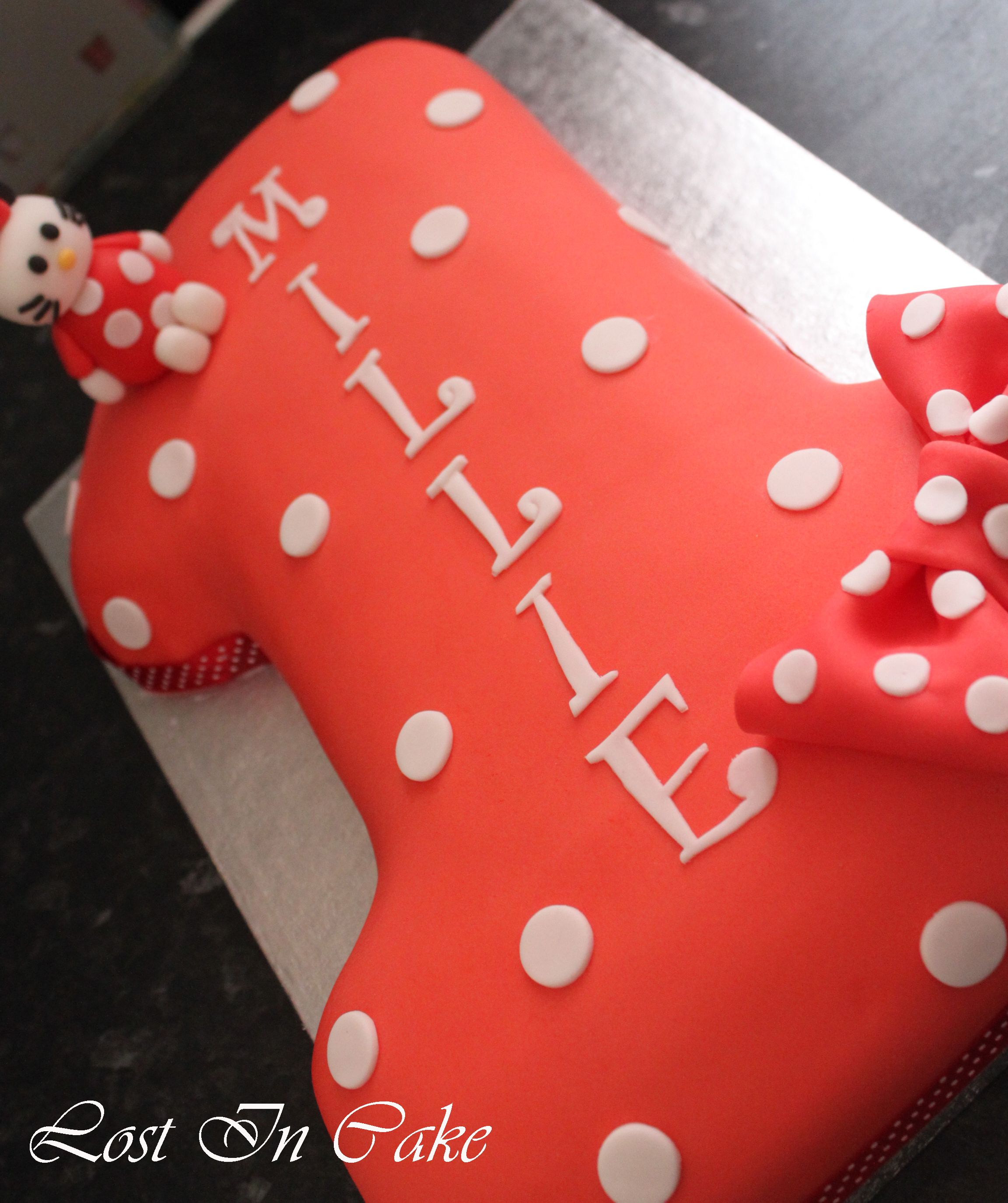 Minnie mouse birthday cake manchester
