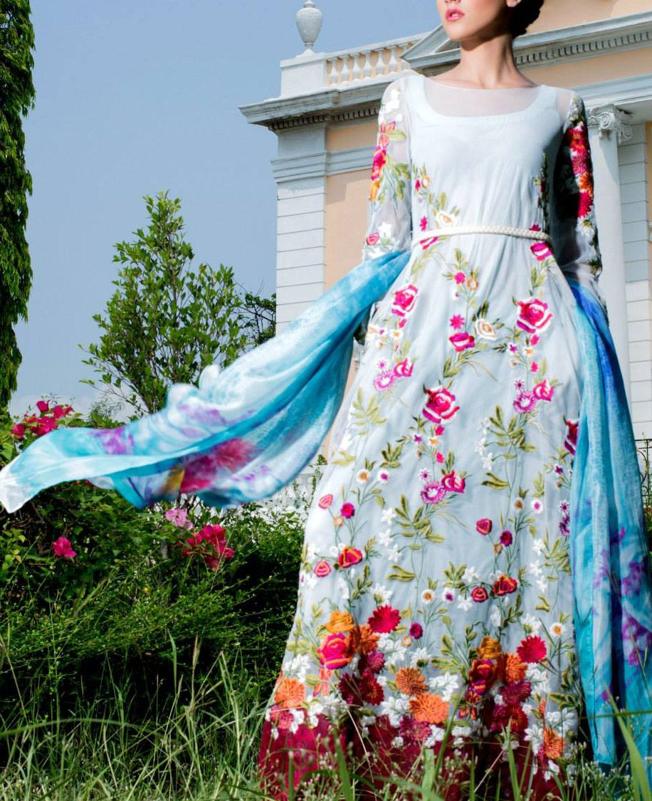 Buy White Embroidered Cotton Lawn Dress by Tabassum Mughal.