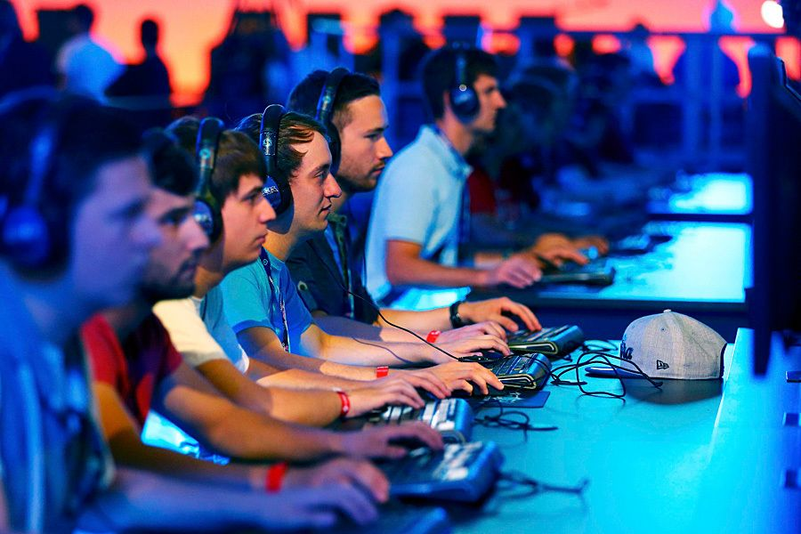 How YouTube plans to get gamers to ditch Twitch http://www.csmonitor.com/Technology/2015/0826/How-YouTube-plans-to-get-gamers-to-ditch-Twitch