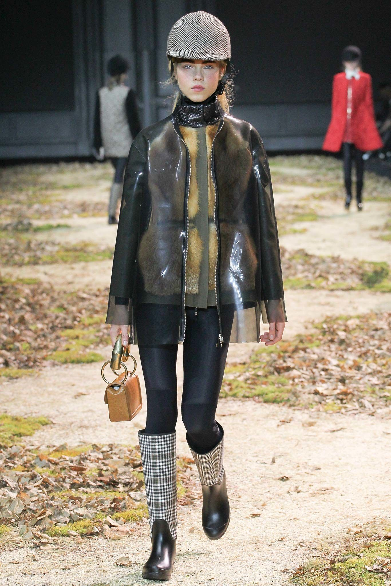 Moncler Gamme Rouge Fall 2015 Ready-to-Wear Collection Photos - Vogue