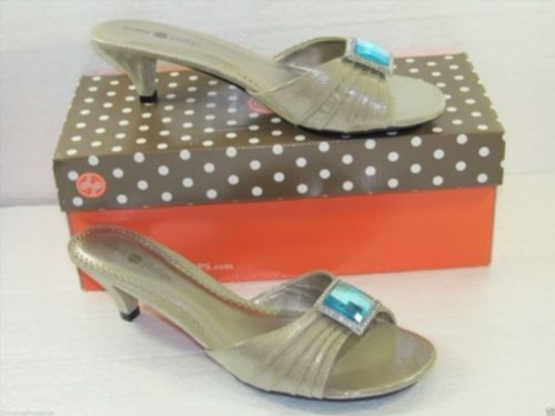 16.09$  Watch now - http://vilgo.justgood.pw/vig/item.php?t=73yyc9867 - Lindsay Phillips Champagne Sandals Shoes Aqua Blue Jeweled Toe Size 6 Sharyn 16.09$