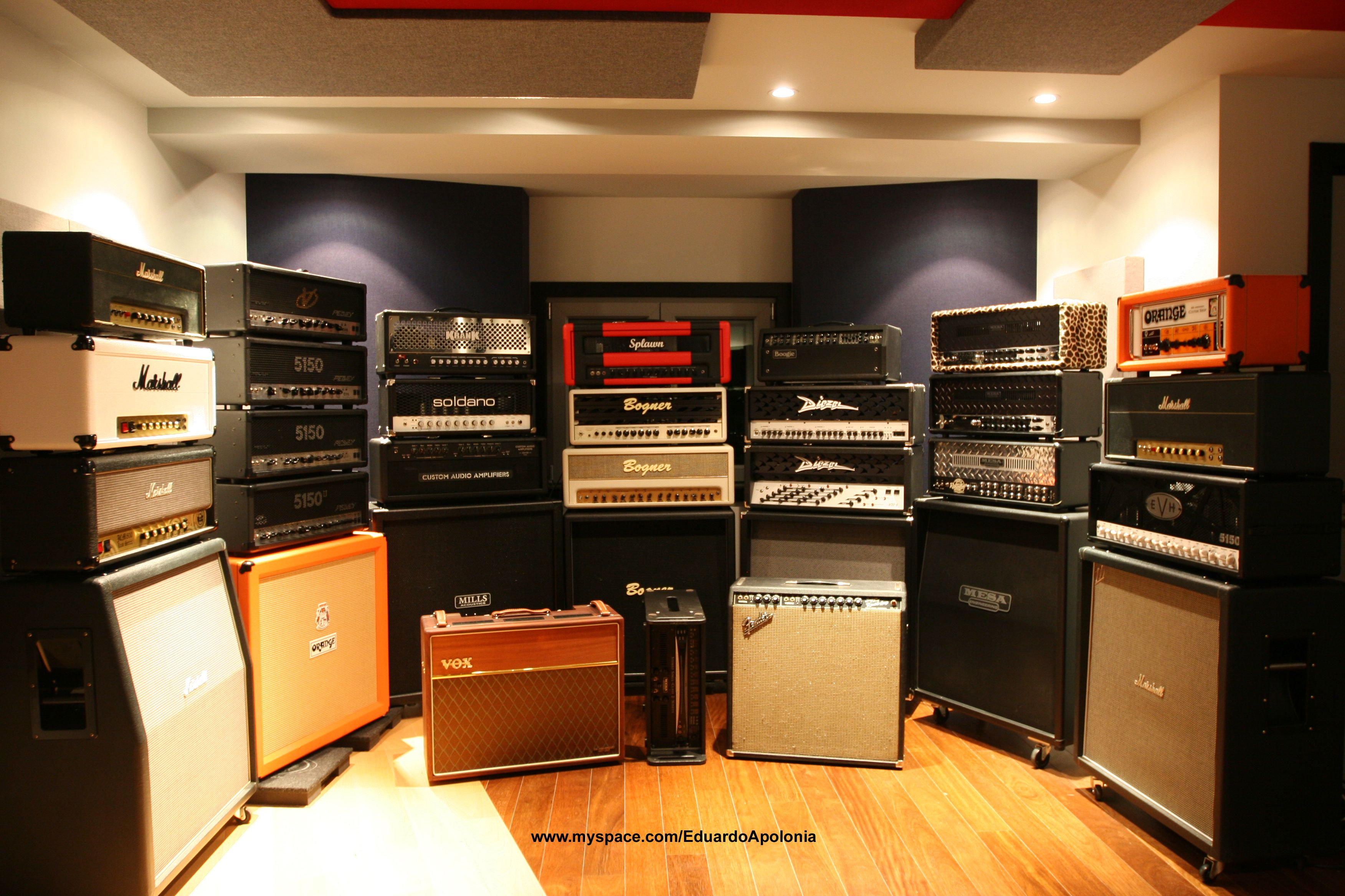 wall of amps i would lose what is left of my hearing in this room guitar gear in 2019. Black Bedroom Furniture Sets. Home Design Ideas