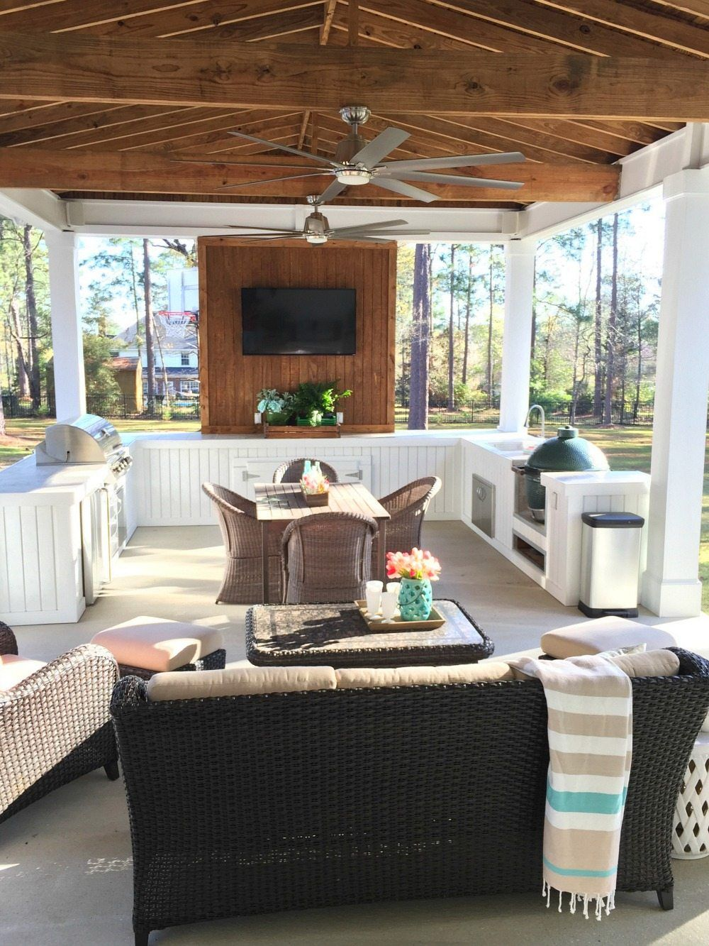 Alabama farmhouse spring tour modern coastal decor home