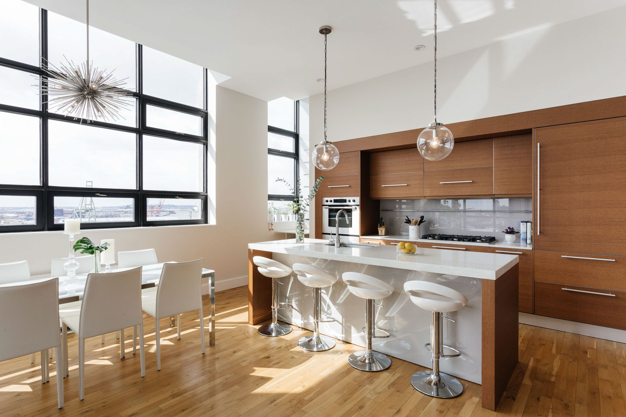 A Bright, Breathtaking Apartment in Brooklyn Heights