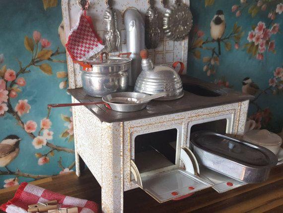 Dollhouse kitchen stove vintage tin stove aluminium pots 1 milkpot