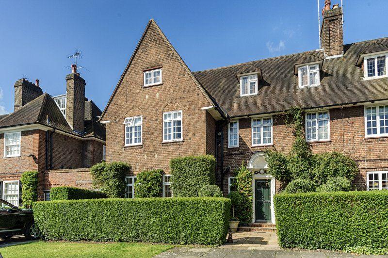 Sold By Glentree Heathgate Nw11 Hampstead Garden