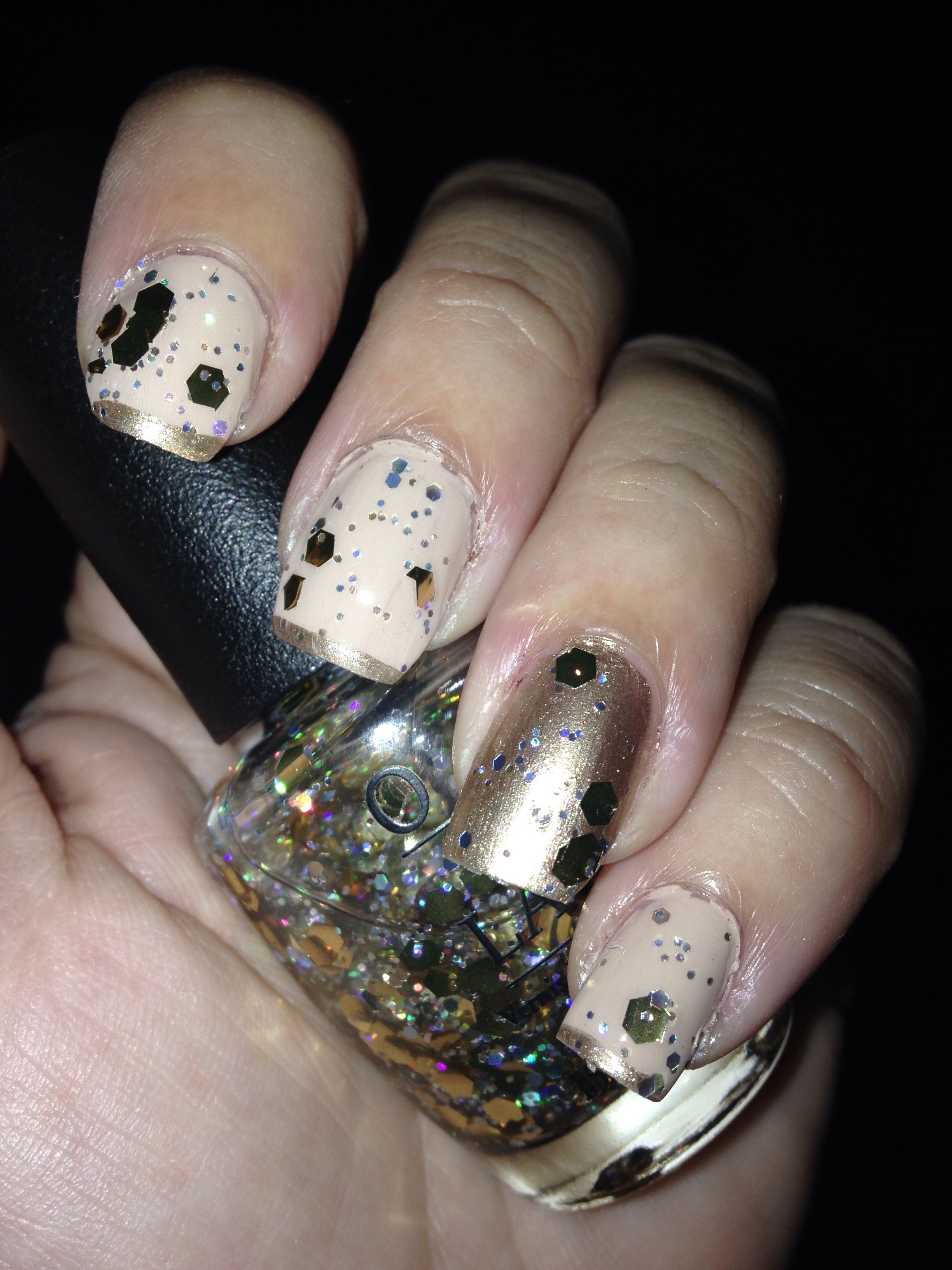 Sparkly Holiday Nails by Me