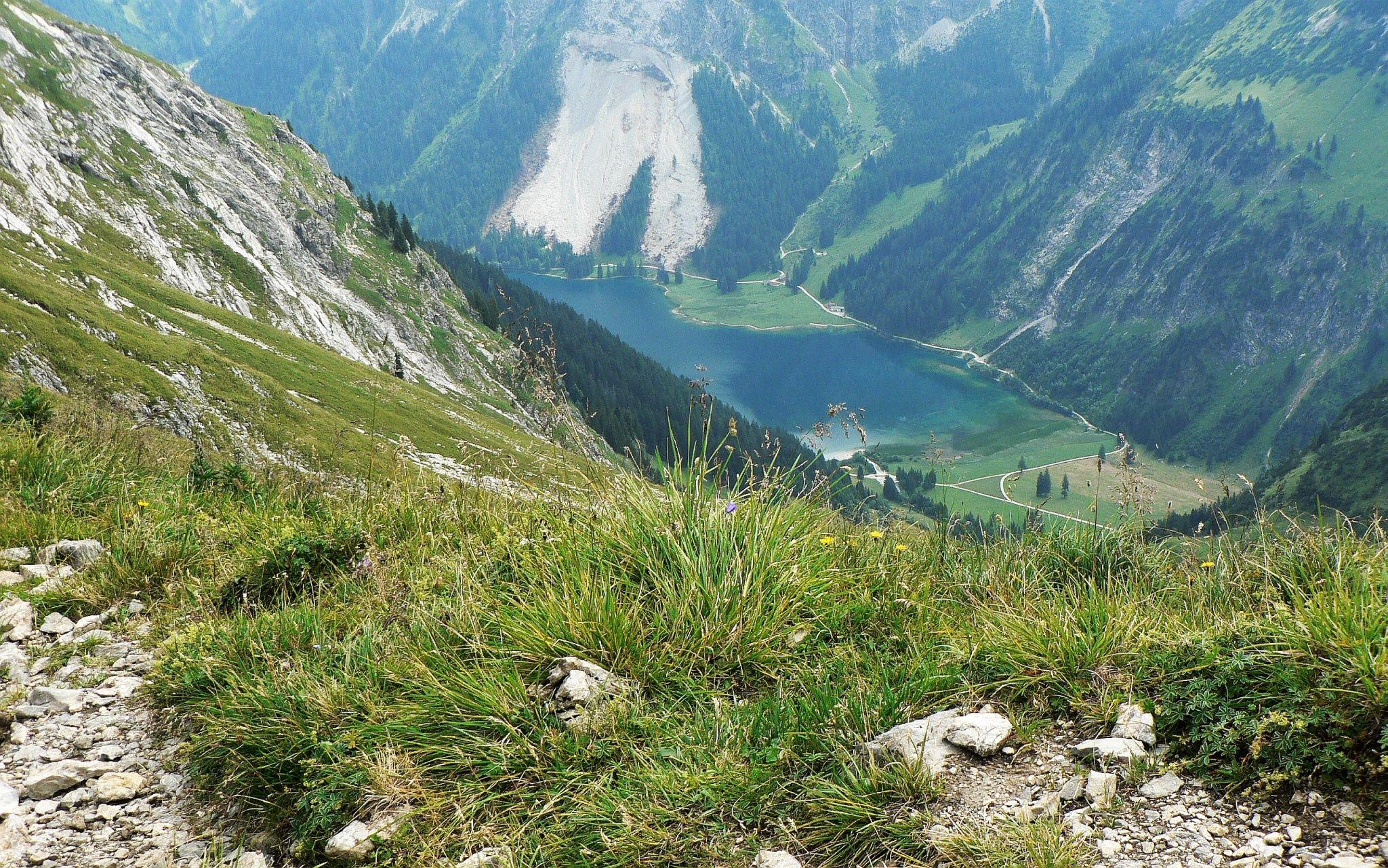 Blick Vilsalpsee vom Jubilaeumsweg - weitere Infos und Fotos: https://pagewizz.com/schrecksee-wandern-auf-jubilaeumsweg/