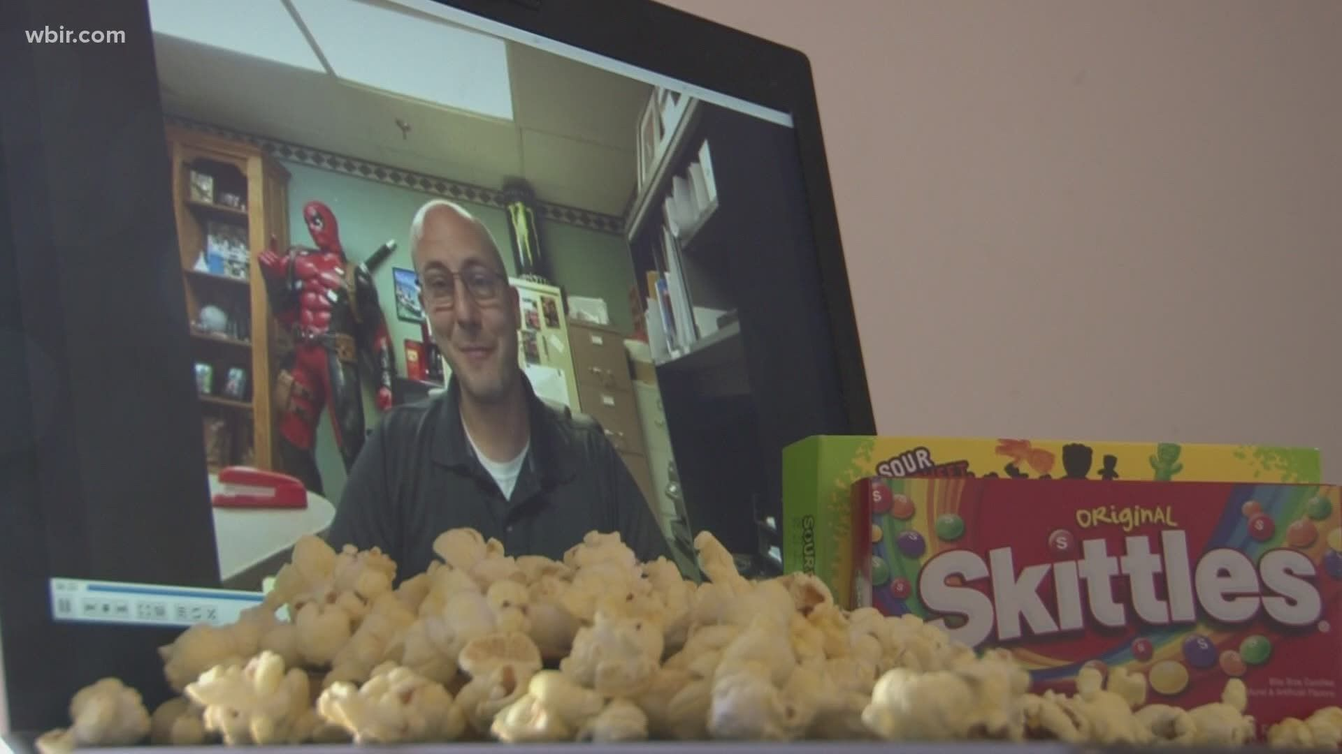 Amc Allows Moviegoers To Rent A Theater For Private Screenings Starting At 99 Wgrz Com Amc Amc Theatres Private
