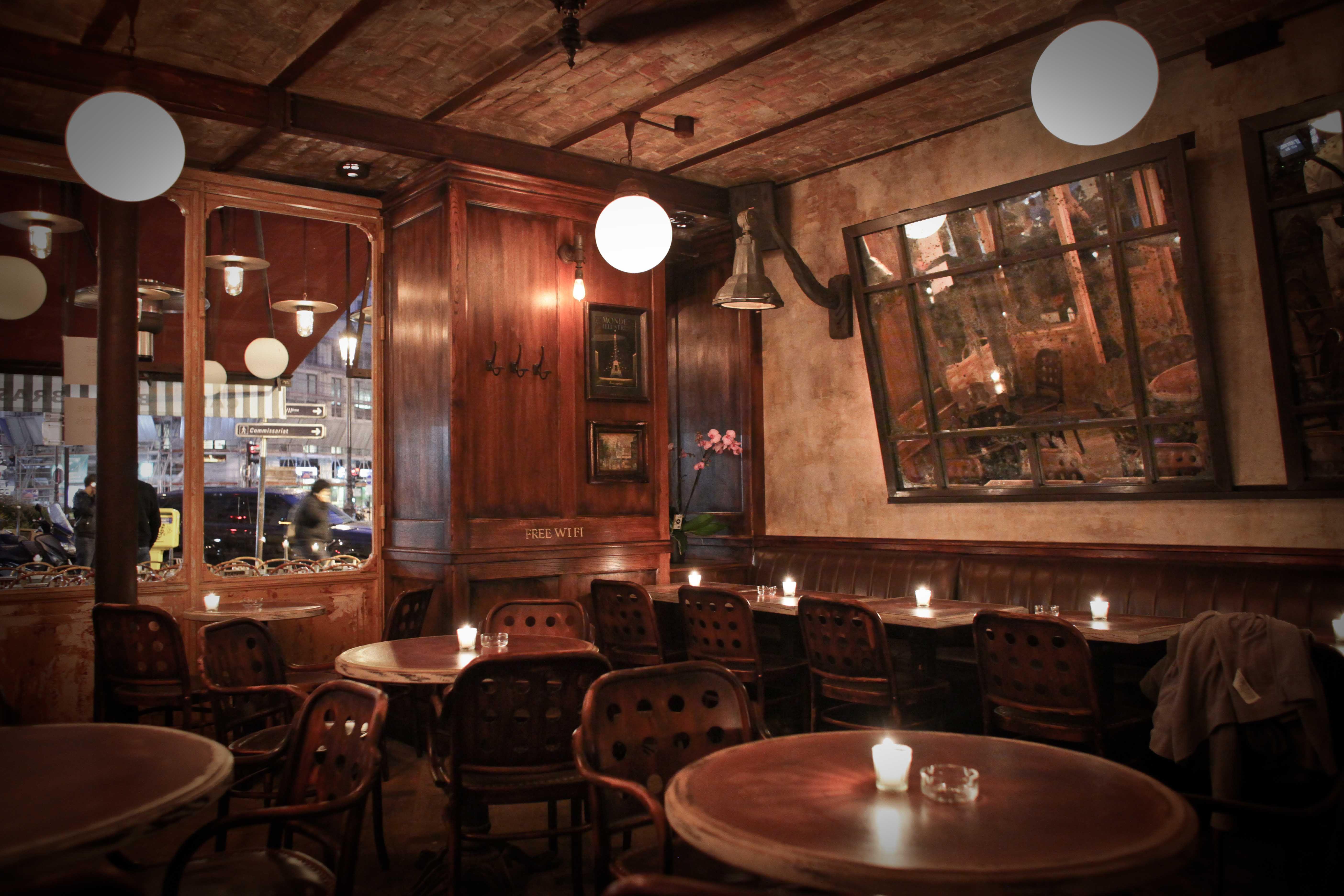 int rieur salle petit poucet paris bar brasserie paris restaurant deco vintage bistro. Black Bedroom Furniture Sets. Home Design Ideas
