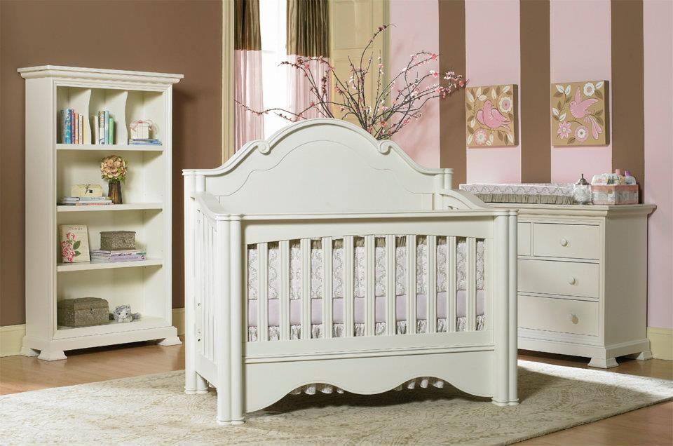 enchanted crib in vanilla finish love the furniture meubles de chambre de bebe idees