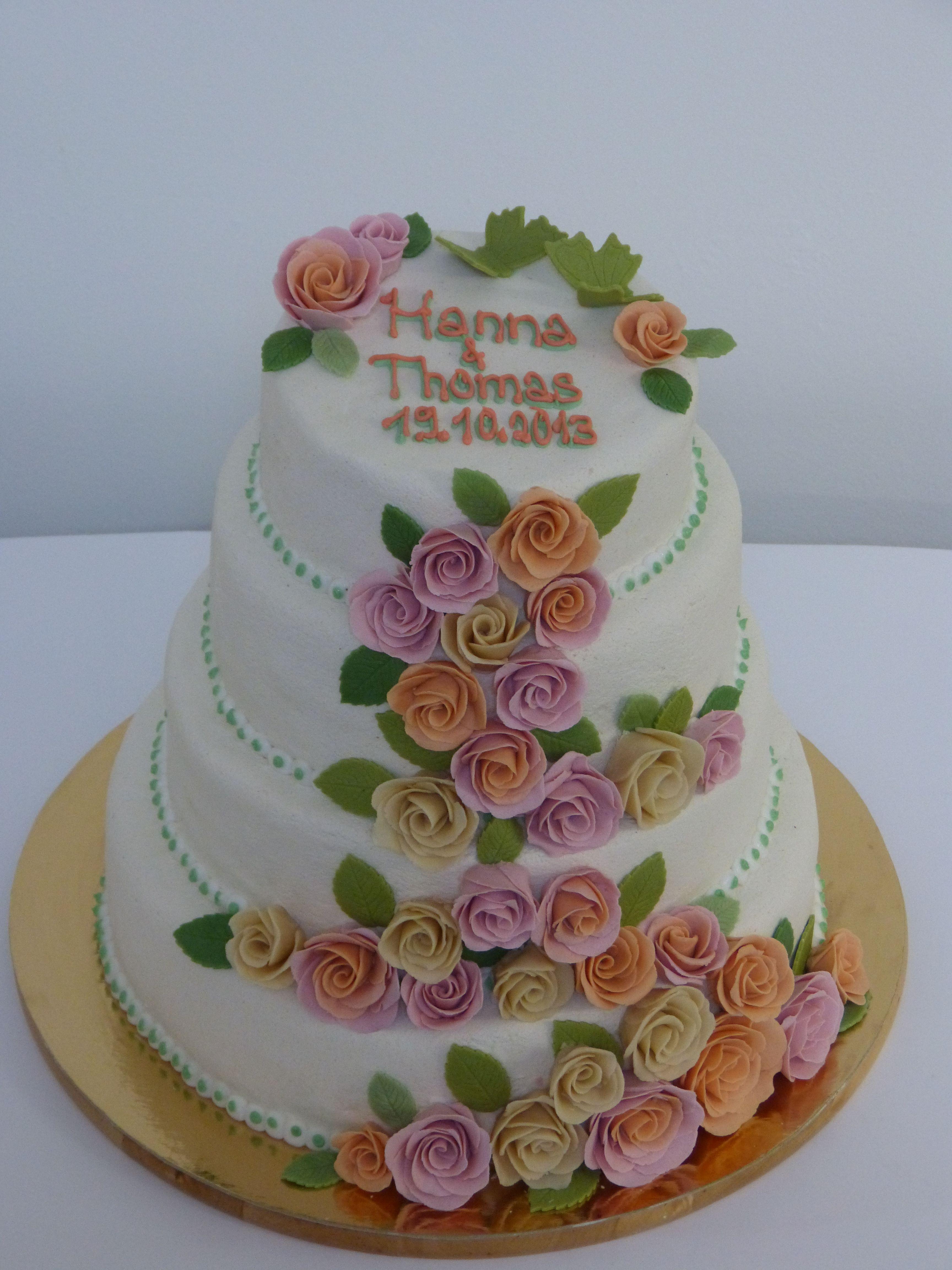 Hochzeitstorte Konz Trier CAKE CUBE Marzipanrosen Niedermennig Torten Kuchen Saarburg