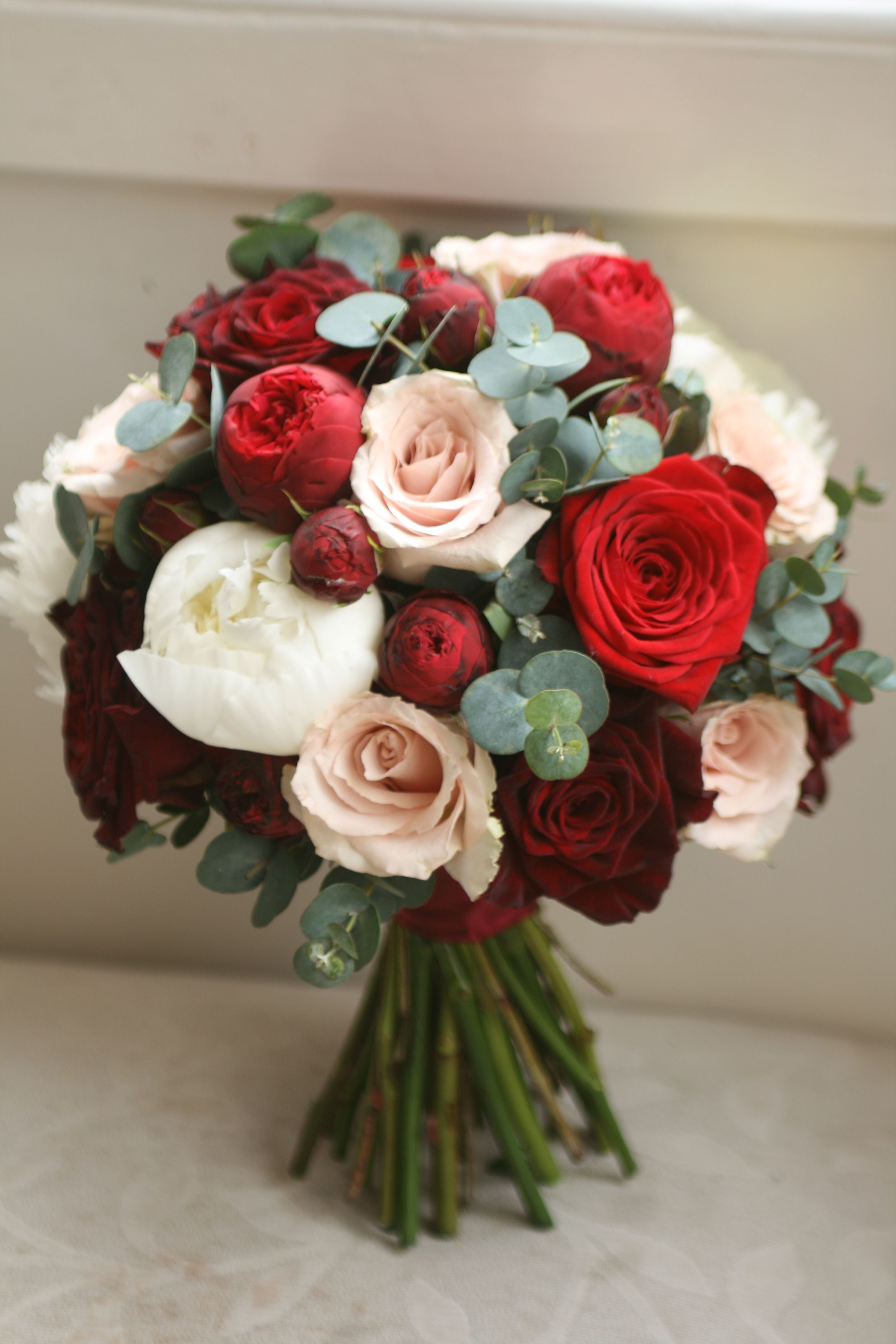 Bouquet With Black Baccara Roses Spray Piano Roses Quicksand Roses