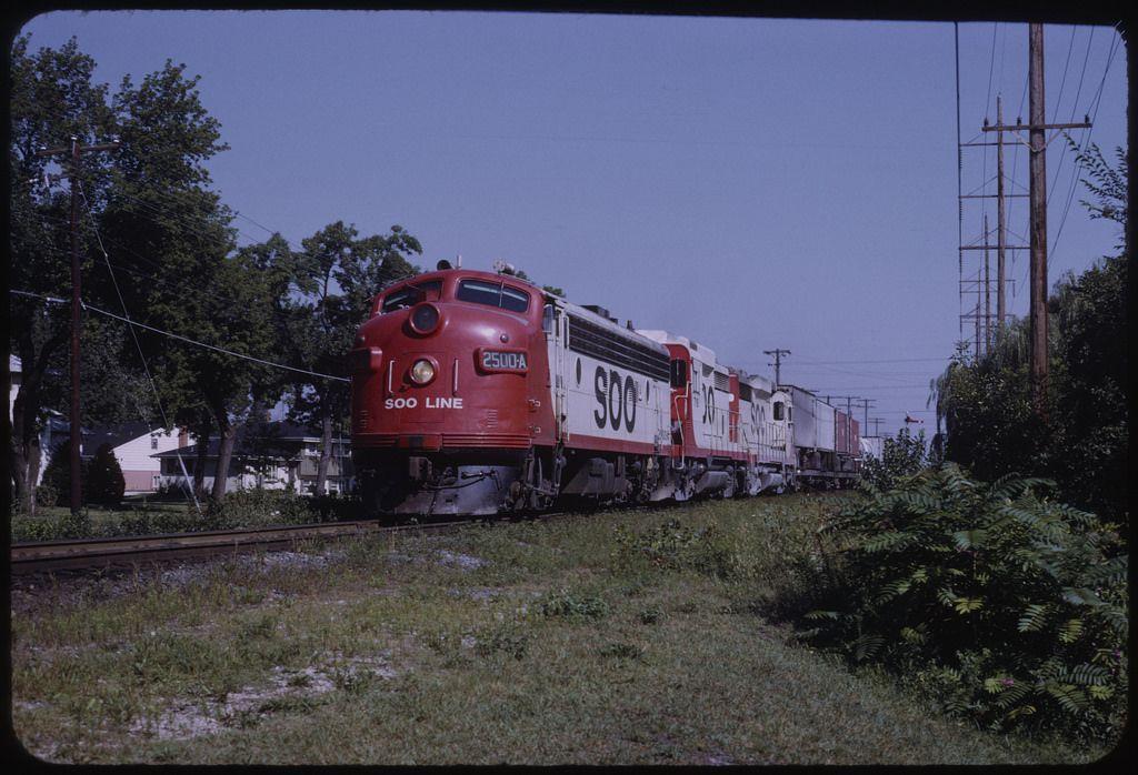 Soo 2500A Des Plaines, IL. by James Lewnard Via Flickr
