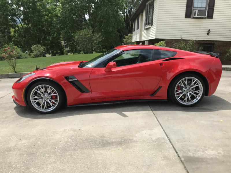 2017 Corvette Coupe For Sale In Us 2016 Low Low Miles Z06 Awesome Chevy Corvette For Sale Corvette Corvette For Sale