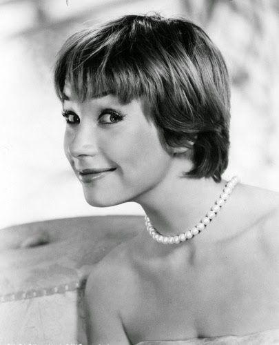 Vintage Glamour Girls: Shirley Maclaine