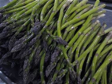 Tasty asparagus can have the surprising effect of leaving a distinct aroma in the urine of an unwary diner. Scientists have spent years figuring out why that's so. (photo: Shannon Dininny / AP)